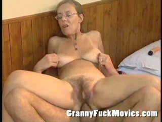 Old granny screwed hard in her hairy pouch