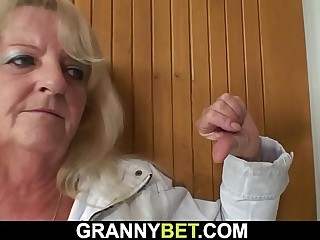 Picked up blonde granny in stockings