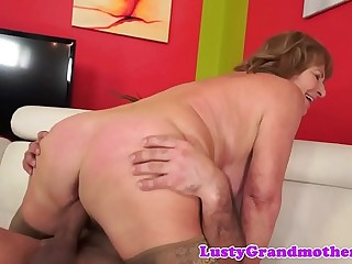 Busty granny in stockings gets pussy rammed