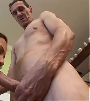 OLD GUY FUCKS Slender Black-haired !!