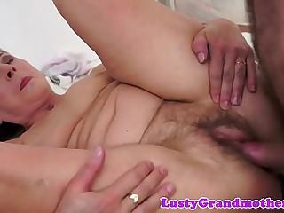 Dicksucking gilf loves getting nailed