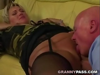 Grandpa screws chubby granny pussy