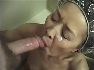 Japanese granny loves sucking cock