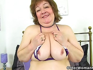 UK granny Susan strips off and dildo nails her old fanny