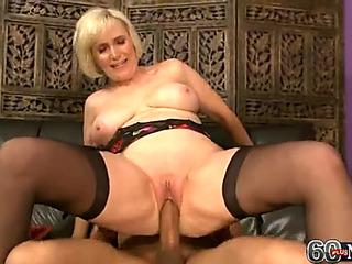 Granny ash-blonde 60