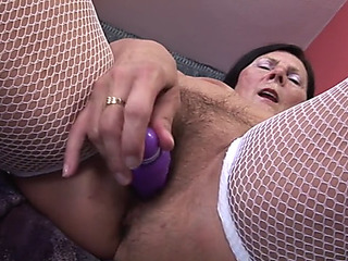 60+menacing grandma loves vibrator and youthful man&#039s 10Pounder