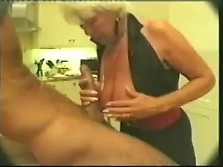Older devour good_463956C.mp4