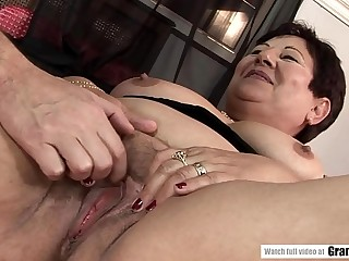 Lawanda likes meat more than toys! This Plumper shifts on you till you are done!