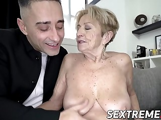 Lusty grandma fucked in beaver by hung younger guy