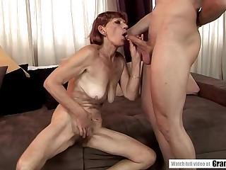Saggy tit mature got her all natural vagina fucked hard