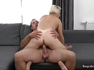 Sexy granny likes a big cock in her pussy