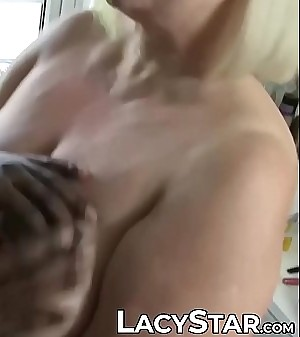 Black hairdresser penetrates old pussy and facial